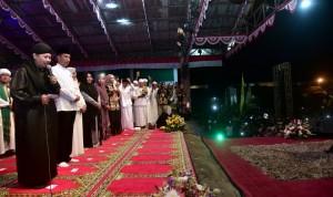 Presiden saat menghadiri acara di Ponpes Al Baghdadi, Rengasdengklok, Karawang, Jawa Barat, Sabtu (19/1) malam. (Foto: BPMI)
