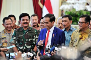 President Jokowi answers reporters' question after opens the 2019 TNI-Polri (Indonesian National Police) Leadership Meeting at the State Palace, Jakarta, Tuesday (29/1). (Photo by: Jay/Public Relations).