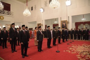 President Jokowi inaugurates 16 Indonesian ambassadors, at the State Palace, Jakarta, Monday (7/1). (Photo by: Oji/Public Relations Division)