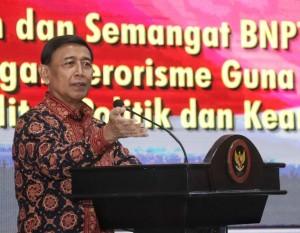 Menko Polhukam Wiranto menyampaikan sambutan pada rapat kerja dan penandatanganan perjanjian kinerja BNPT tahun 2019 di Jakarta, Kamis (17/1). (Foto: Humas Kemenko Polhukam)