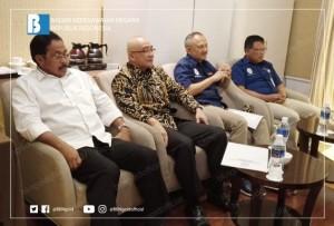 Kepala BKN, Gubernur Kepri, dan Kementerian PAN RB saat menyampaikan sosialisasi di Batam, Rabu (23/1). (Foto: Humas BKN)
