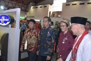 Presiden Jokowi menghadiri Perayaan Imlek Nasional, di JI Expo, Kemayoran, Jakarta, Kamis (7/2) siang. (Foto: Humas/Oji)