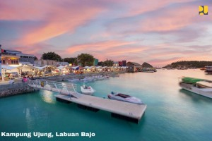 Kampung Ujung is the hub to cross to Komodo Island. (Photo by: Ministry of Public Works and Public Housing)