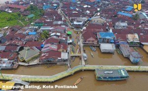 Fishermen village in Kampung Beting, Pontianak. Photo by: Ministry of Public Works and Public Housing