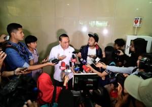 Menteri PANRB Syafruddin menjawab wartawan usai keterangan pers, di kantor Kementerian PANRB, Jakarta, Jumat (8/2) siang. (Foto: Humas Kementerian PANRB)