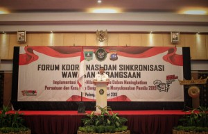 Coordinating Minister for Political, Legal and Security Affairs Wiranto talks as Keynote Speaker at Coordination and Synchronization Forum in Padang City, West Sumatera, Wednesday (6/2). (Photo: PR of Coordinating Ministry for Political, Legal and Security Affairs)