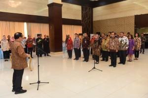 Sekretaris Kabinet Pramono Anung melantik 30 pejabat baru di lingkungan Sekretariat Kabinet, di aula Gedung III Kemensetneg, Jakarta, Kamis (7/2) siang. (Foto: Deny S/Humas)