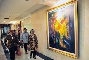 Waseskab Ratih Nurdiati menerima jajaran pimpinan Perpusnas, di Gedung III Kemensetneg, Jakarta, Jumat (8/2) siang. (Foto: JAY/Humas)