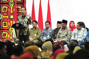 Presiden Jokowi memberikan arahan pada Rembuknas Pendidikan dan Kebudayaan Tahun 2019 di Pusdiklat Kemendikbud, Sawangan Depok, Jawa Barat, Selasa (12/2) siang. (Foto: JAY/Humas)