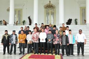 President Jokowi receives FBR leaders at Bogor Palace, Bogor, West Java, Monday (18/3) (Photo by: Jay/PR)