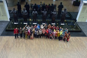 Para peserta Diklat Penjenjangan Penerjemah Tingkat Pertama Sekretariat Kabinet mengunjungi Musium Kepresidenan Balai Kirti, Bogor, Jawa Barat, Sabtu (30/3). (Foto: Agung/Humas)