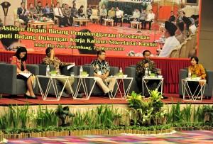 Para pembicara dalam Rakor Peningkatan Kualitas Penyelenggaraan Sidang Kabinet, di Palembang, Sumatra Selatan, Jumat (8/3). (Foto: Humas/Anggun).