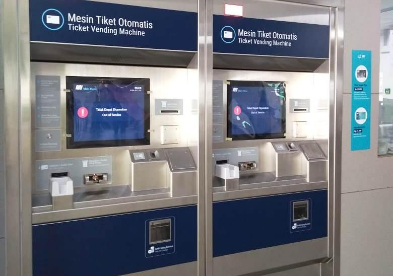 Mesin Tiket Otomatis di Stasiun Blok M