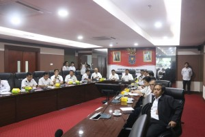 Ministry of Home Affairs monitors preparedness of the 2019 General Elections, at the Ministry's Office, Jakarta, Wednesday (10/4). (Photo by: Ministry of Home Affairs)