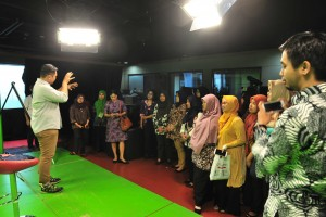 Participants of First Level Functional Translator Education and Training Class VIII of 2019 visit National News Agency Institute Antara, Tuesday (9/4). (Photo by: Jay/PR)