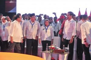 Presiden saat menghadiri acara Silaturahmi Nasional Pemerintah Desa se-Indonesia di Stadion Tenis Indoor, GBK, Jakarta, Rabu (10/4). (Foto: Humas/Jay)
