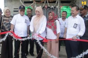 Kementerian PUPR melakukan bedah rumah di Pandeglang, Banten. (Foto: Kementerian PUPR)