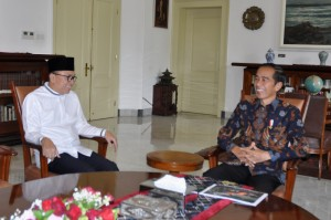 Speaker of the People's Consultative Assembly (MPR) Zulkifli Hasan meets with President Jokowi at the Bogor Presidential Palace, West Java, Wednesday (22/5). (Photo by: OJI/PR).