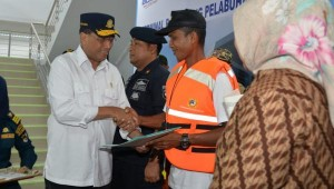 Minister of Transportation visits Kumai Port, West Kotawaringin Regency, Central Kalimantan Province, Saturday (25/5). (Photo by: Ministry of Transportation)