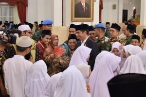 Presiden Jokowi menghadiri acara Peringatan Nuzulul Quran 1440H/2019, di Istana Negara, Jakarta, Selasa (21/5) malam. (Foto: OJI/Humas)