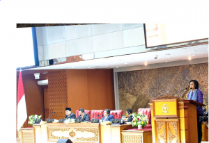 Finance Minister Sri Mulyani delivers the Government's proposal for the 2020 State Budget Bill, at the DPR RI Plenary Meeting in Jakarta, Monday (20/5). (Photo by: Ministry of Finance PR)
