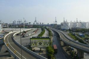 Jalan Tol yang dibangun dekat pelabuhan. (Foto: Kementerian PUPR)