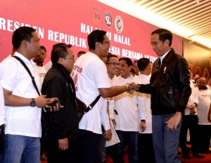 President Jokowi attends a halalbihalal (post-Ramadan gathering), at the Grand Sahid Jaya Hotel, Jakarta, Sunday (16/6). (Photo: BPMI)