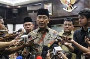 Menko Polhukam Wiranto menanggapi persiapan sidang gugatan hasil pemilu di MK, Kamis (13/6). (Foto: Kemenko Polhukam).