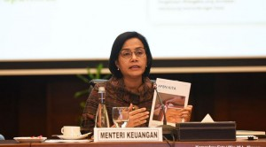 Minister of Finance Sri Mulyani delivers press statement at the office of Finance Ministry, Jakarta, Friday (21/6). (Photo by: PR of Finance Ministry)