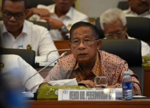 Coordinating Minister for the Economy Darmin Nasution attends a working meeting with the Budget Board of the House of Representatives, in Jakarta, Thursday (25/6). (Photo by: Coordinating Ministry for the Economy PR)