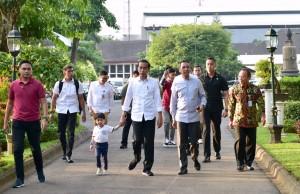 Presiden Jokowi bersilaturahmi dengan masyarakat Yogya di Gedung Agung, Provinsi DIY, Kamis (6/6). (Foto: BPMI)