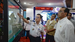 Transportation Minister visits 2019 Eid Post on Tuesday (4/6) (Photo by: Transportation Ministry).