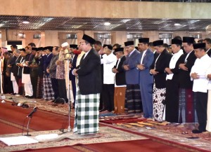 President Jokowi performs Ied prayer at Istiqlal Mosque, Central Jakarta, Wednesday. (5/6). Photo by: BPMI