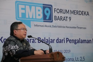 Bappenas Head Bambang Brodjonegoro talks in a public discussion in Jakarta, Wednesday (10/7). (Photo by: Minister of Communication and Information PR)