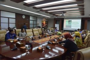 Suasan Sosialisasi Pengelolaan Pengaduan Pelayanan Publik Melalui Platform Nasional Aplikasi LAPOR! yang digelar Biro AKRB, di Lantai 2 Gedung III Kemensetneg, Jakarta, Jakarta, Rabu (10/7)  pagi. (Foto: OJI/Humas)