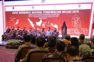 Vice President Jusuf Kalla attends the National Coordination Meeting for Inflation Control in Jakarta, Thursday (25/7). (Photo by: Bank Indonesia's PR).