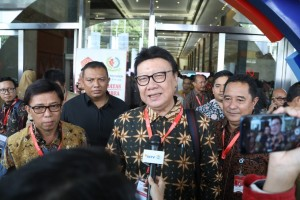 Minister of Home Affairs Tjahjo Kumolo meets reporters after attending the opening of the 2019 Indonesia Development Forum  at the Assembly Hall, Jakarta Convention Center (JCC), Jakarta, Monday (22/7). (Photo by: Puspen Kemendagri)