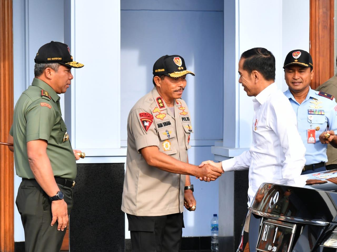 Didampingi Panglima TNI Hingga Moeldoko, Presiden Jokowi Tiba di Natuna